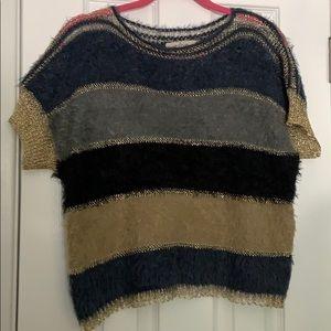 Tops - Short sleeve woven top